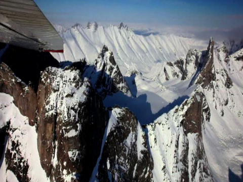 Flying Wild Alaska: Bersscoutande