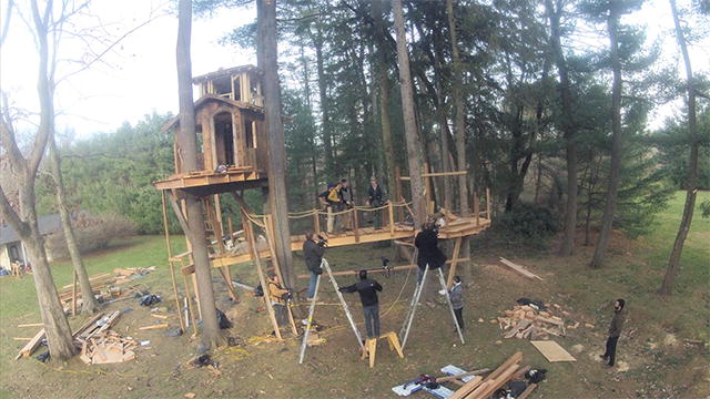 A Bbq In The Trees Treehouse Masters Animal Planet