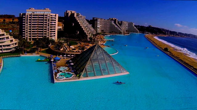 The biggest pool on earth the pool master animal planet for Pool show discovery