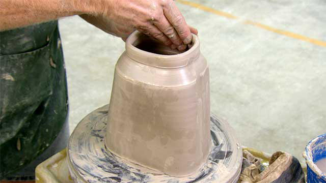Science: Cremation Urn