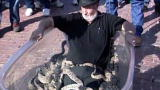Weird, True & Freaky: A Rattlesnake Bath